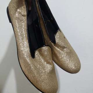 Glittered gold shoes