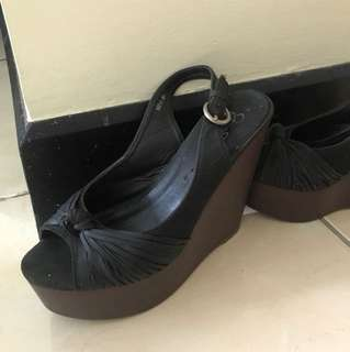 Preloved Black Sandal Wedges