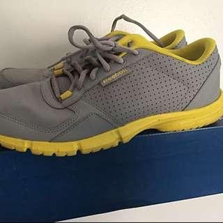 Reebok Walking Shoes US 9.5