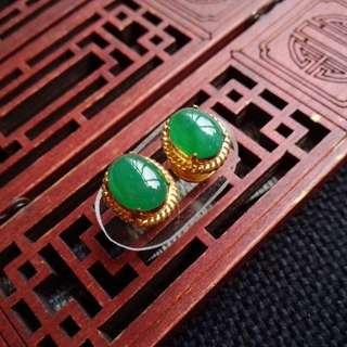 翡翠A貨有種有色滿色滿綠託銅耳釘特價包郵順豐不議不退,配送證書,編號0339,全年無休,順豐正常發貨!