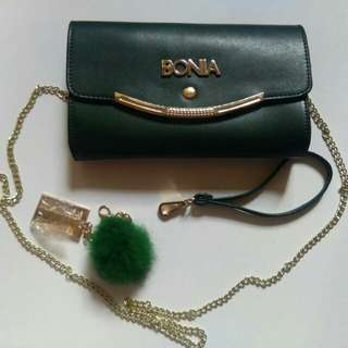 PRE-LOVED Green Handbag (PRICE INCLUDING POSTAGE)