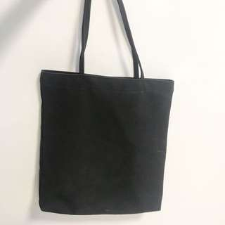 black tote bag w small pouch