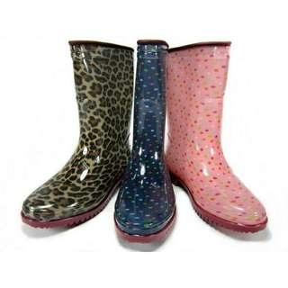 🚚 雨鞋一雙