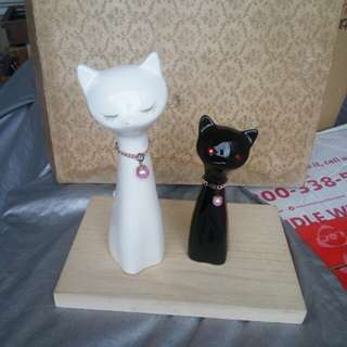 Almost new Black and white cat figurine from japan
