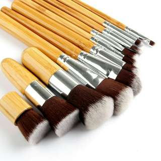 Bamboo Brush + Pouch