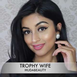 ❗️CNY SALE❗️AUTHENTIC HUDA BEAUTY LIQUID MATTE in Trophy Wife