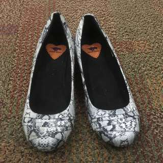 REPRICED🔥Snake Skin Wedge Shoes