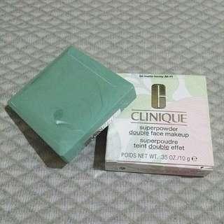Clinique Superpowder Double Face Makeup - 04 Matte Honey
