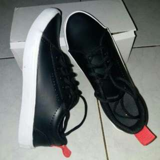 Shoes of black