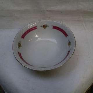 古老陶瓷碗