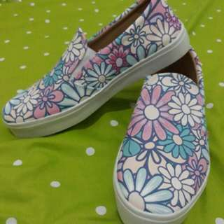 Shoes flowers paint