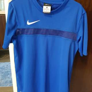 Nike Dri Fit Shirt M size for 9-12 years old