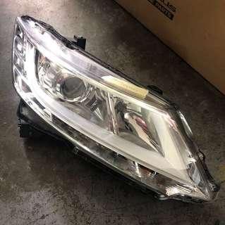 Honda Odyssey head lamp