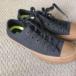 Converse black with gum sole
