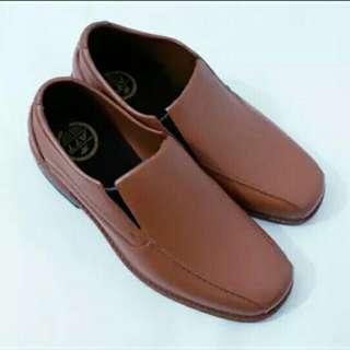 Sepatu formal/semi formal