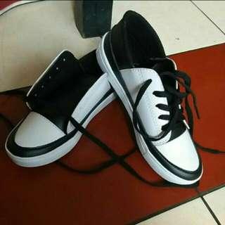 Twotone shoes