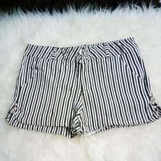 stripe hotpant