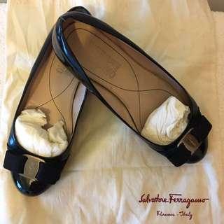 Markdown! Salvatore Ferragamo flat shoes