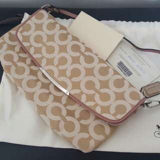 Brand New coach small bag clutch authentic