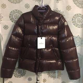 全新Moncler 羽絨短身外套(size 1)