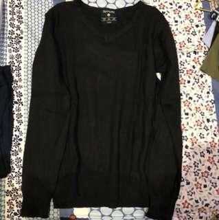 Sweater hitam size S