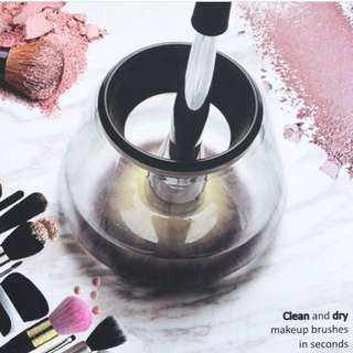 INSTOCKS Makeup Brush Magic Automatic Electric Cleaner Cosmetic Make Up Brushes