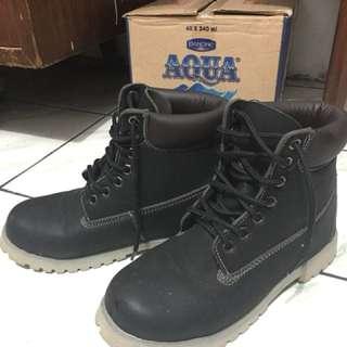 Sepatu fashion/boots winter shoes musim dingin