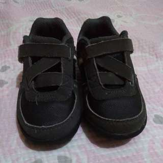 Smart fit shoes for boys 0-2 yrs old.