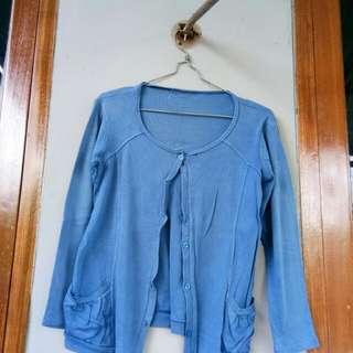 Cardigan biru