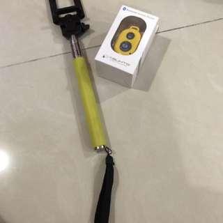 Selfie Stick + bluetooth remote shutter