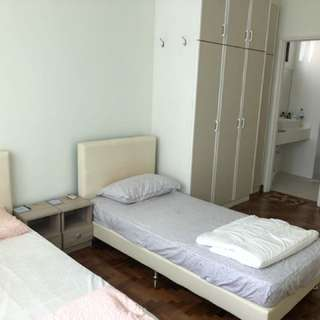 Condo Master Room Near Hillview Mrt