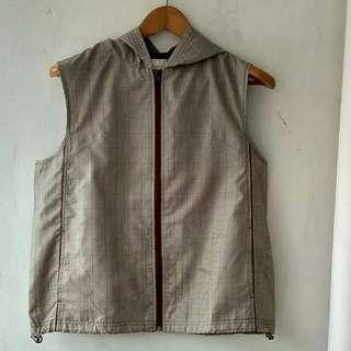 Aspetiva Vest w/ Hood