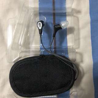 Klipsch R6 in ear headphone