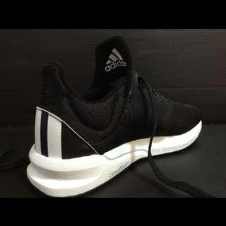 愛迪達慢跑鞋 鞋號24(8成新)