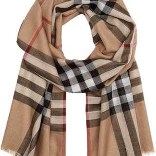 Burberry 頸巾,有啡色/粉紅色/深灰色