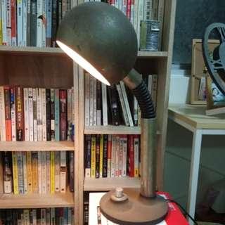 #新春八折 早期鐵製圓球型檯燈