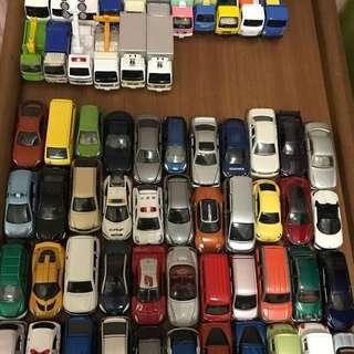 Loose tomica cars