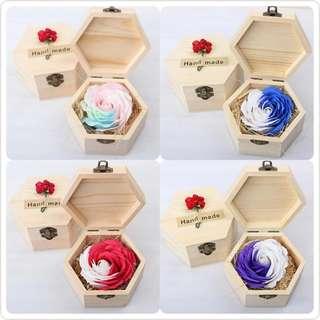 [激減清貨] 華麗香皂玫瑰 配木製禮盒