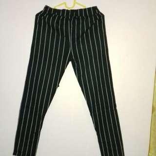 Jogger pants hitam putih