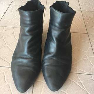 clarks black leather boot