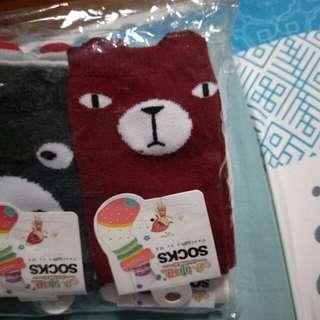 Maroon bear baby socks
