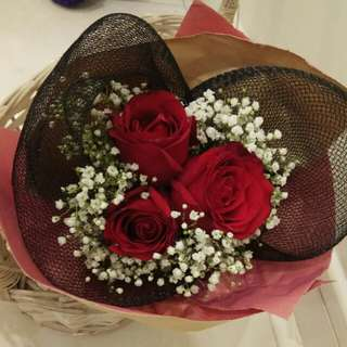 Fresh rose red bouquet with delivery