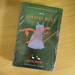 Dorothy Must Die (Book 1&2)