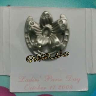 香港賽馬會@莎莎婦女銀袋日2004'紀念襟針