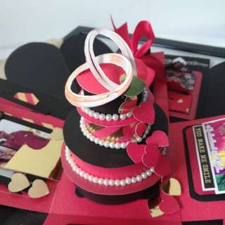 Explosion Box with 3D cake