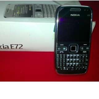 Nokia E72 fullset 有盒
