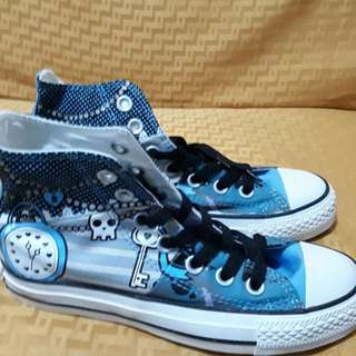 AUTHENTIC CONVERSE AND ADIDAS MALL PULLOUT