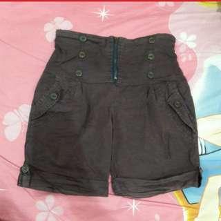Celana kain pendek