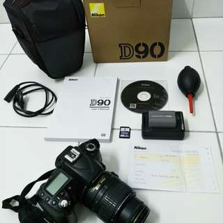 Nikon D90 with FREE travel dslr bag
