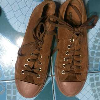 Converse(brown) used only twice wrong size